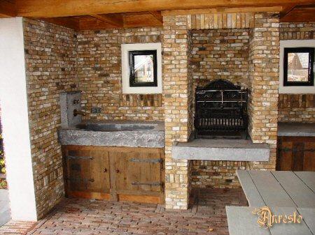 Antieke keukens buitenkeuken met barbecue plaatsing van gerestaureerde antieke keukens - Barbecue ontwerp ...