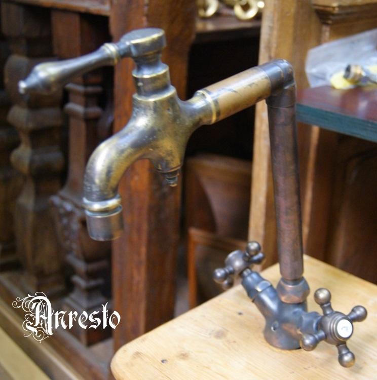 Gerestaureerde Antieke Keukens : ANRESTO, Antieke messing kraan, voorzien van vernieuwd