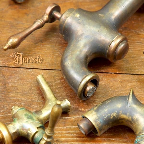 Waterkranen Keuken : ANRESTO, antieke waterkranen. Diverse waterkraantjes die kunnen worden