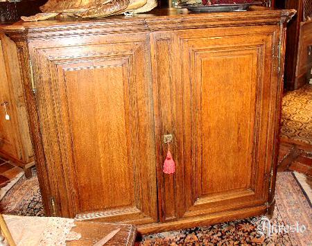 18e eeuws antiek bahut kast massief eiken luikse herkomst regencestijl 18de eeuws - Antieke stijl badkamer kast ...
