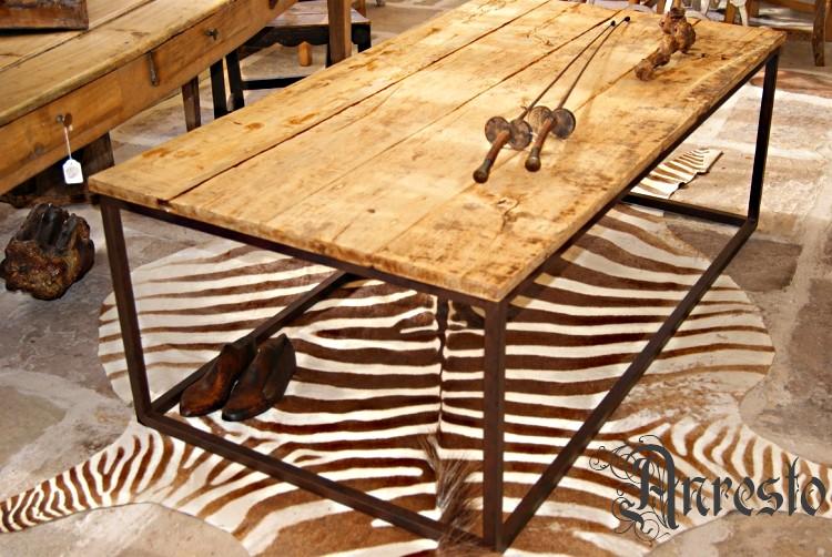 Antiek minimalistische salontafel de eeuws eikenbovenblad