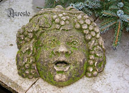 Antieke italiaanse fonteinkop waterspuwer