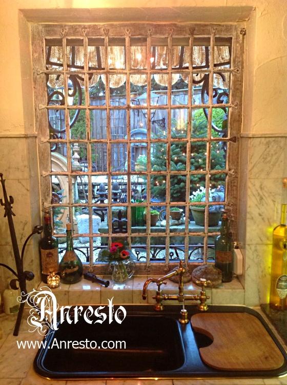 Antieke ramen  Oud raam  Smeedijzeren raam verdeling