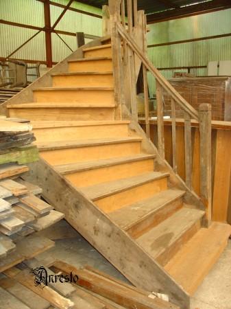 Anresto antieke trap landelijke trap in eikenhout for Trap eikenhout