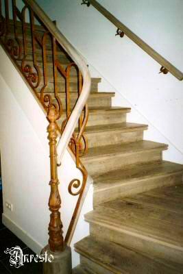 Antieke trap restauratie anresto trappen restauratie binnenhuisinrichting en renovatie - Decoratie interieur trap schilderij ...