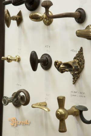 Onwijs Antiek ANRESTO, Antieke deurknoppen. slotje antiek met sleutels GV-56